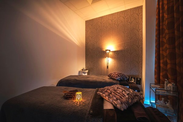 Pamper Package Taster and Afternoon Tea for Two at a Schmoo Spa Hilton Hotels