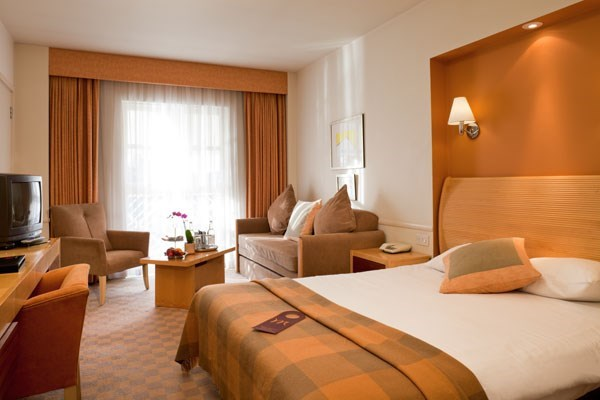 One Night Break with Dinner at Mercure London Staines Hotel for Two