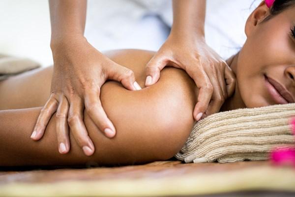 Massage northampton male Amy Gledhill