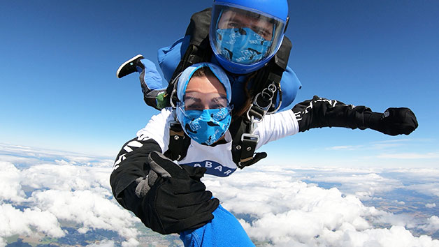 7000ft Tandem Skydive in Wiltshire for One