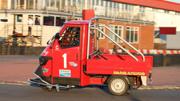 Piaggio Ape Racing for Two
