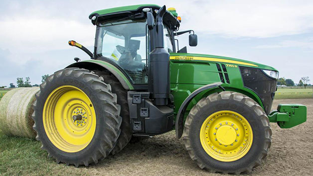 15 Minute John Deere Tractor Driving Experience for One