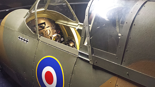 One Hour Spitfire Simulator Flight in Bedfordshire for One Person