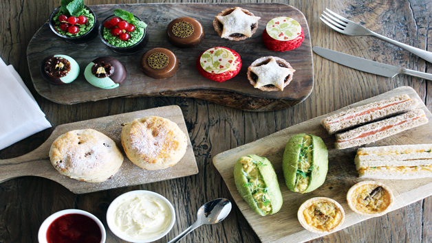 Shakespeare Themed Afternoon Tea and Cocktail for Two at Swan Bar and Restaurant