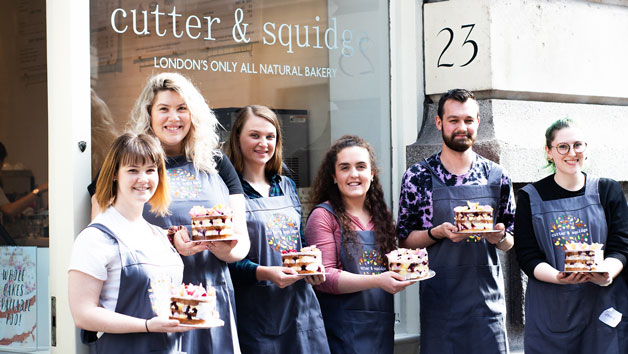Cake Decorating Masterclass with a Glass of Prosecco for One at Cutter and Squidge