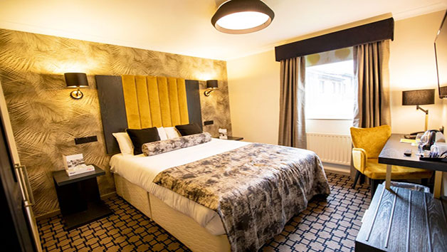 One Night Stay and Dinner with a Glass of Fizz at Denham Grove Hotel for Two