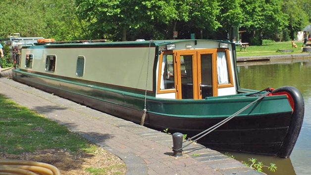 Overnight Stay in a choice of Four Houseboats with Breakfast at Starline Narrowboats