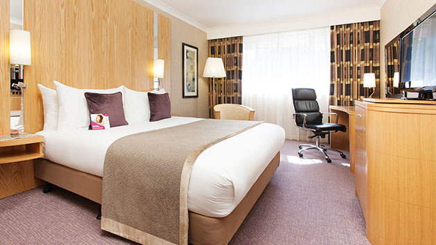 Two Night Luxury Break with Spa Treatment and Dinner for Two at Crowne Plaza Reading East