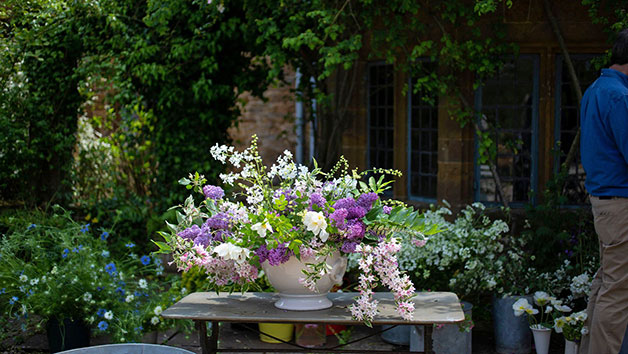 Online Art of Environmental Floristry Course for One in a Virtual Classroom