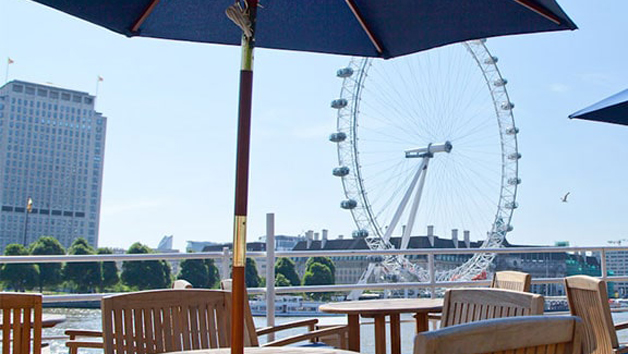 3 Course Meal with Prosecco on the RS Hispaniola with Sightseeing Cruise for Two