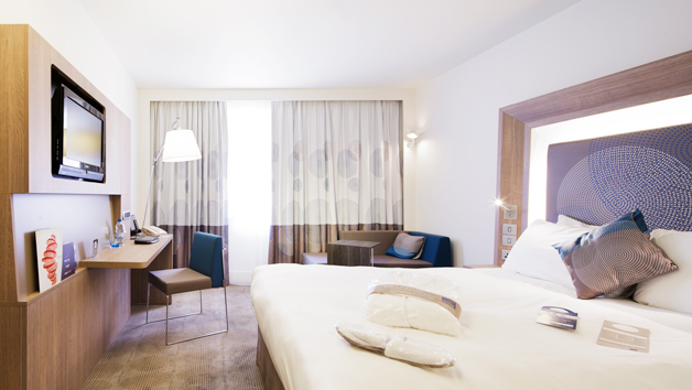 Luxury Hotel Stay and Experience in London for Two