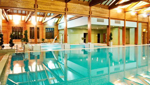 Bannatyne Premium Spa Day for Two with 25 Minute Treatment, Lunch and Prosecco