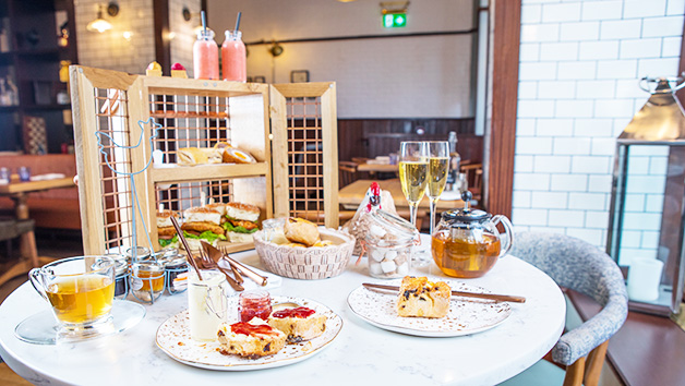 Bottomless Prosecco Afternoon Tea at London Marriott Hotel March Arch