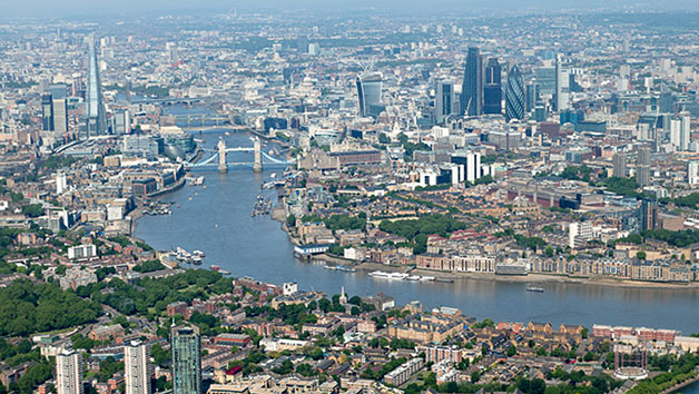 30 Minute Helicopter Tour of London for One