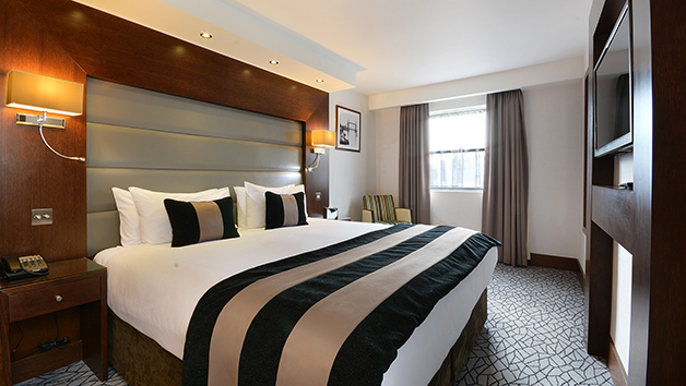 Luxury Overnight Stay for Two with Breakfast at The Park Grand Kensington