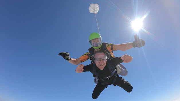 Ultimate 15,000ft Tandem Weekend Skydive for One Person