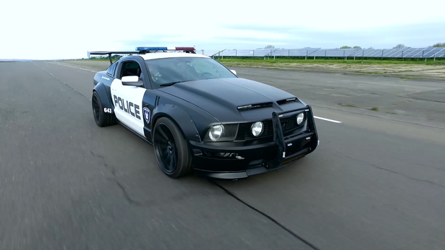 Four Lap Police Chase Driving Experience for One Person