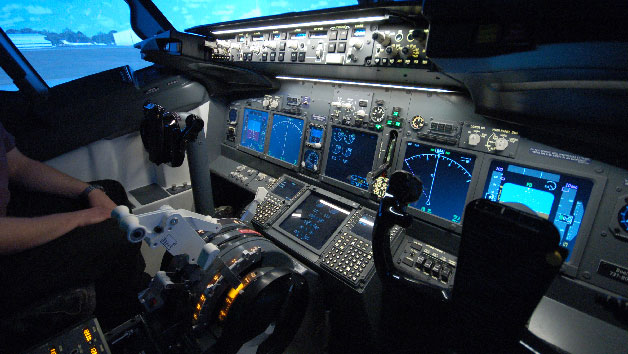 Plane Landing Flight Simulator for One at Jet Sim School