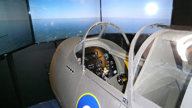 30 Minute Spitfire Simulator Flight in Bedfordshire for One Person