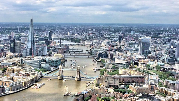 50 Minute Helicopter Flight Over London at Heli Air for One
