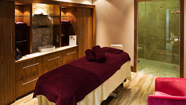 Relaxation Spa Day for Two with up to 55 Minutes of Treatments