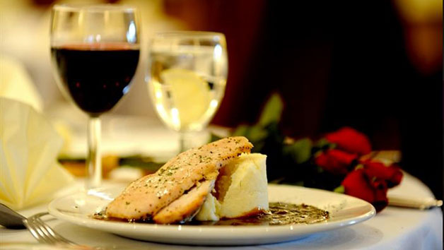 Three Course Meal with Wine at Beveridge Park Hotel