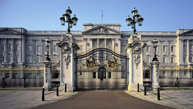 Vintage London Bus Tour, Thames Cruise and Buckingham Palace State Rooms for Two