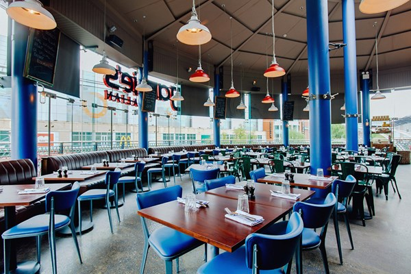 Three Course Meal with Prosecco for Two at Jamie's Italian, Reading