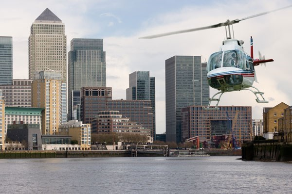 30 Minute Helicopter Tour Overlooking London for Two People
