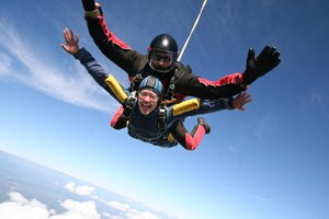 15000ft Tandem Skydive For One Person