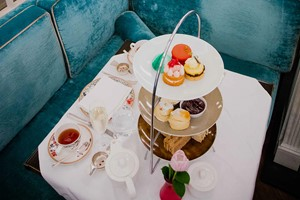 Champagne Afternoon Tea For Two At The White Hart Inn  Gloucestershire