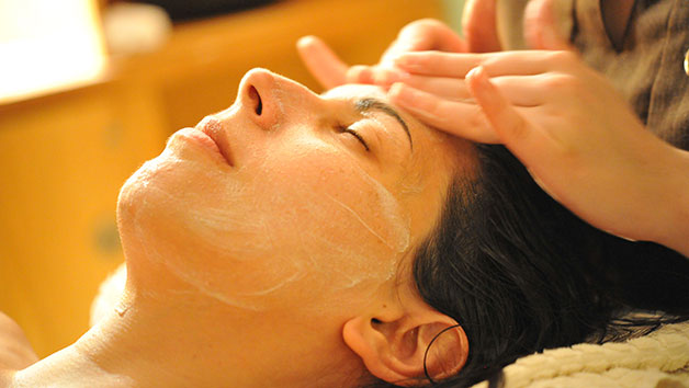Afternoon Revive Spa Day With A 25 Minute Treatment And Cream Tea At New Park Manor For One