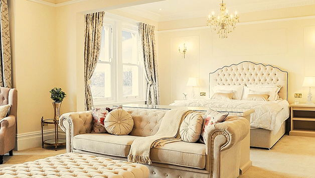 Overnight Escape In A Luxury Suite For Two With Champagne At Bathen House