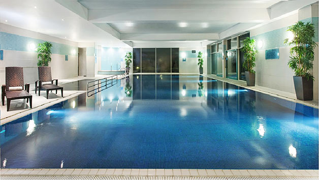 Overnight Escape With A 25 Minute Treatment Each And Fiz For Two At Crowne Plaza Marlow