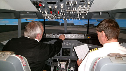 90 Minute Boeing 737 Simulator Flight in Bedfordshire