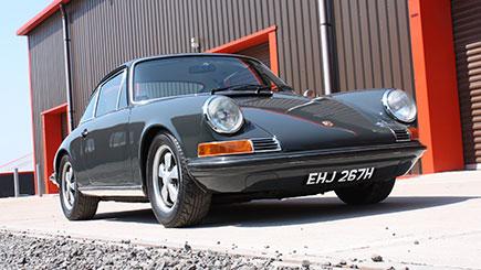 Classic Porsche 911 Country Drive