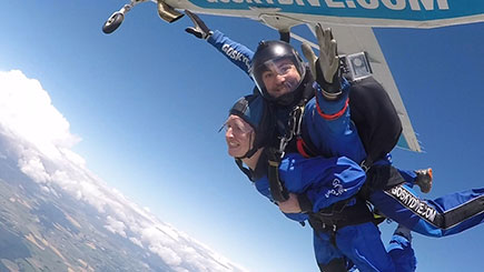 Tandem Skydiving in Salisbury