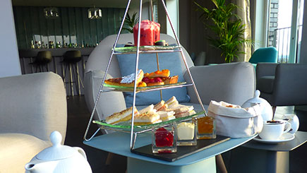 Thames Rocket Powerboating And Afternoon Tea For Two In London