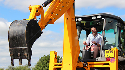 JCB Driving at Diggerland