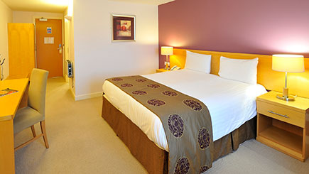 Hotel Escape with Dinner for Two at The Olde Barn Hotel