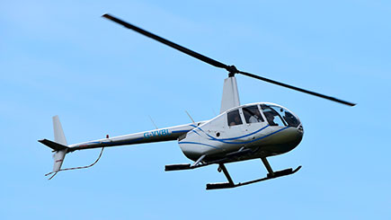 10 Minute Helicopter Buzz Flight in Hampshire