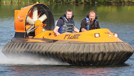 Hovercraft Thrill in Bedfordshire