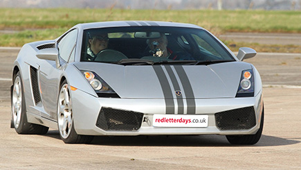 Lamborghini and Ferrari Driving Thrill in Oxfordshire
