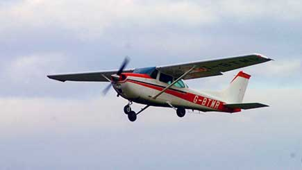 30 Minute Static Cessna Simulator Flight In Bristol