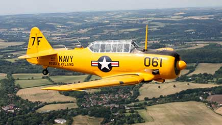 60 Minute Aerobatic Harvard Flight in Berkshire