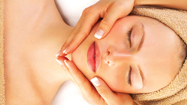 Buy Deluxe Spa Day for Two with 3 Treatments and Lunch at Bannatyne - Weekdays
