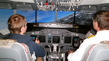 120 Minute Boeing 737 Simulator Flight in Bedfordshire