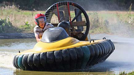 Hovercraft Racing Challenge In Leicestershire