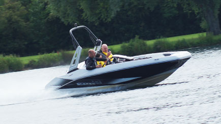 Jet Boat Thrill In Bedfordshire