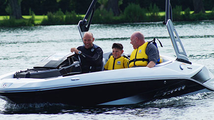 Jet Boat Thrill For Two In Bedfordshire
